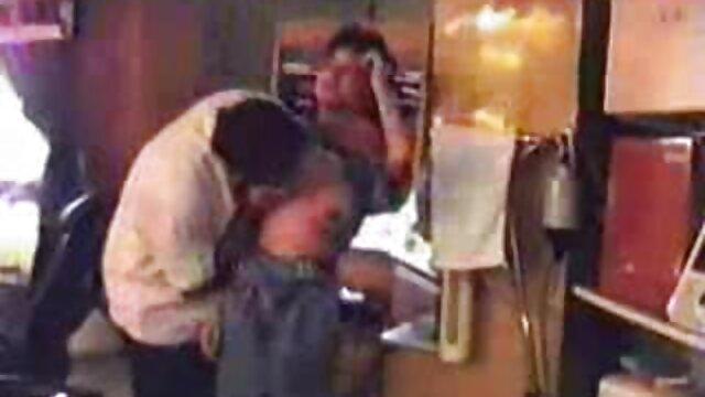 OLD4K. Papá guapo lame con cuidado videos porno subtitulados en español el coño antes de empujar ...