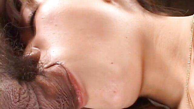 Increíble cuerpo en forma milf desnuda trio español amateur en la playa spycam voyeur