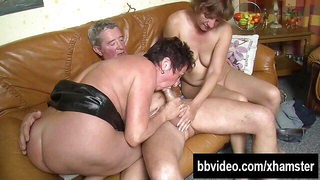 MILF Tory Lane trio amateur español recibe anal de un tipo calvo