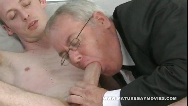 Bonita adolescente chupando gordas españolas xxx una gran polla recibiendo lamida en el culo rimming