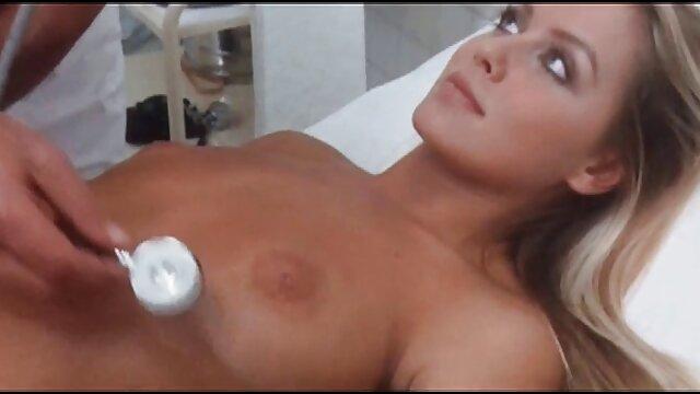 Tetas videos porno gratis en castellano Pequeñas Morena