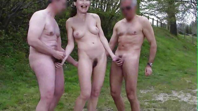 ¡La puta adolescente Emily Willis follada y facializada después de porno español castellano la ducha!
