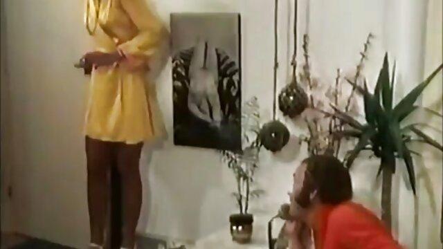 Diversión rubia! Sunny Lane y Vicky Vette Tongue xvideo sub español follan afuera!