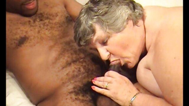 Linda flaca amateur follada por una gran polla doggystyle lesbianas españolas maduras