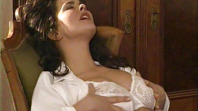 Rubia pone cachonda porno con historia español