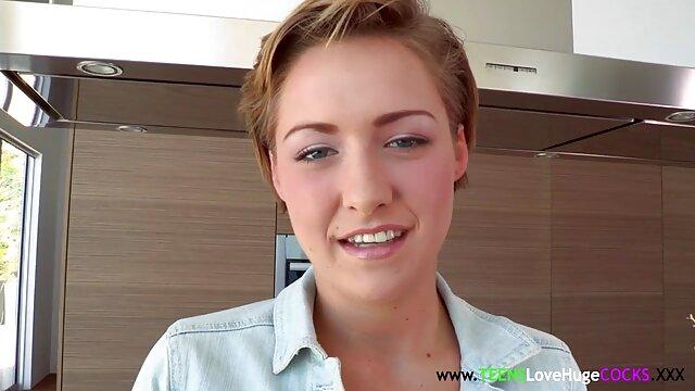 Adolescente cachonda Eliza videos xxx subtitulados español Jane tiene una sesión de sexo tabú con su prima