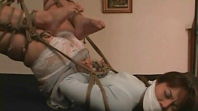 Amateur de ébano BBW recibe videos de españolas xxx dos pollas blancas