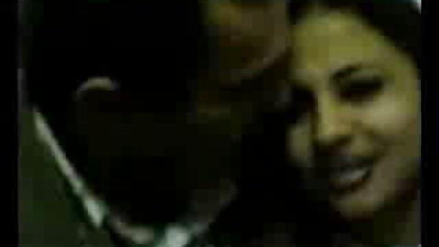 Candy Alexa y Anie Darling en la escena lésbica serviporno en castellano Sapphic tutor