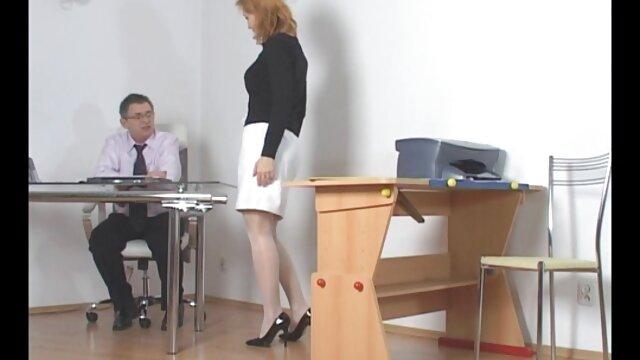 EDPOWERS - Celina chupa porno romantico español la polla antes de la penetración anal