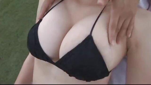 Morena xxnx castellano MILF Holly West recibe un paseo anal