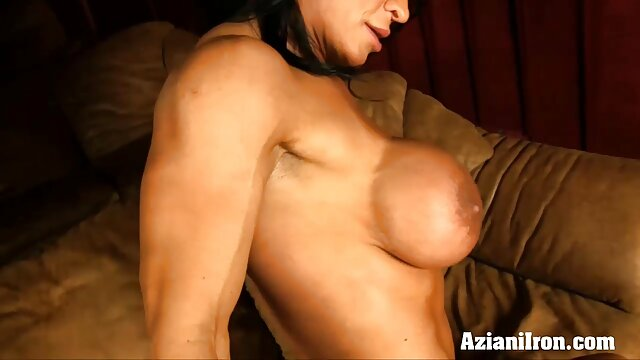 Hermosa MILF con porno con audio español cuerpo perfecto es perforada de forma agradable