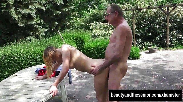 Garganta profunda asfixia y culo boquiabierto para guapa porno hd sub español adolescente
