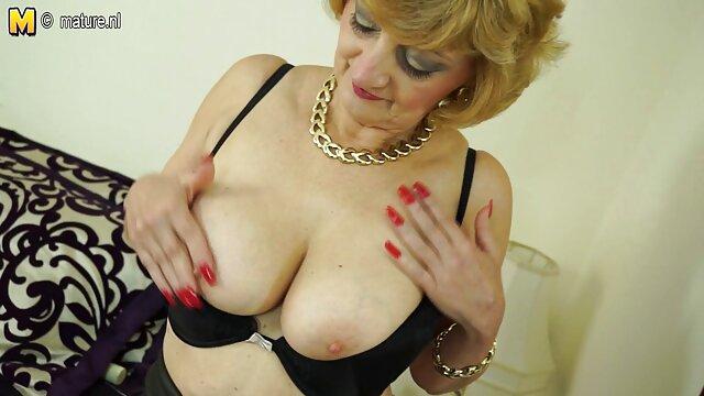 ¡La puma enamorada Deauxma se folla a su oorno español marido en su hotel!